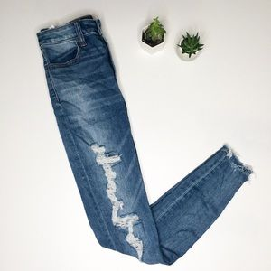 American Eagle Distressed 2 Super Hi Rise Jeans